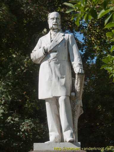 http://statues.vanderkrogt.net/Foto/derp/derp096-2.jpg