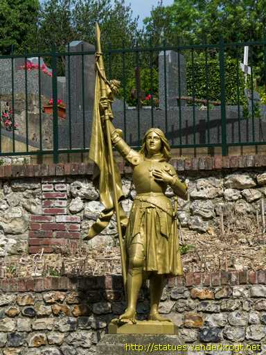 Pennedepie /  Monument aux Morts - Jeanne d'Arc