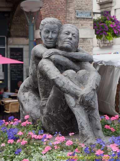 Dieppe /  Couple assis