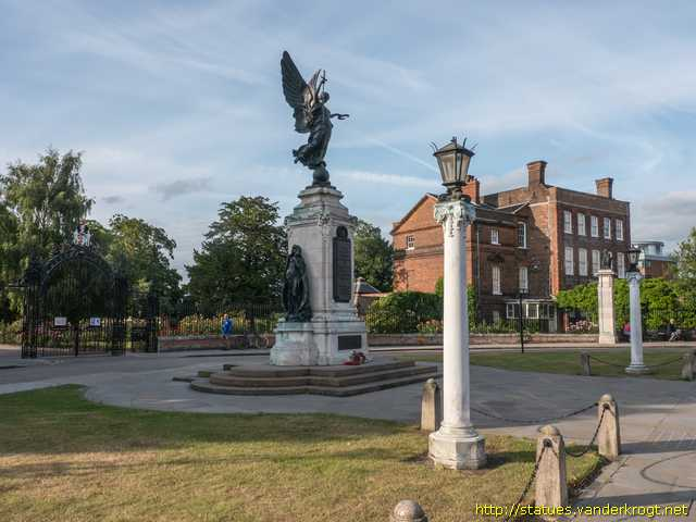 Colchester /  War Memorial
