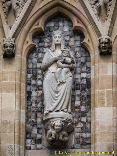 Norwich /  Virgin and Child and Dragon Fighter