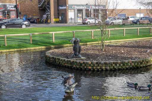 Hemel Hempstead /  Kangaroo, Joey and Platypus