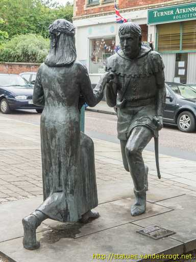 Edwinstowe /  Robin Hood and Maid Marian
