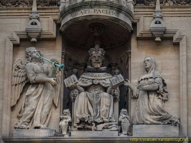 Oxford - King James I, presenting his works to Fame and the