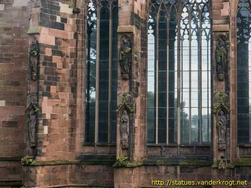 Lichfield /  Statues on the Lady Chapel of Lichfield Cathedral