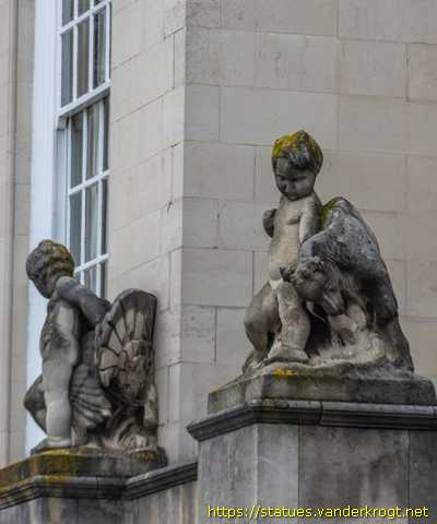 Leeds /  Putti with animals