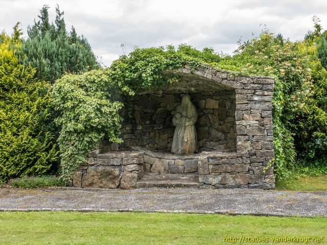 Loughrea - Baile Locha Riach /  Saints' statues in the garden of St. Brendan's Cathedral
