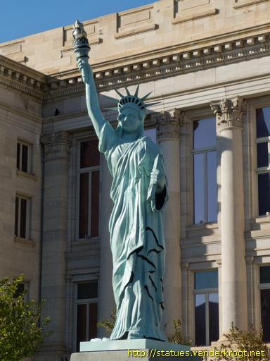 Pueblo /  Replica of the Statue of Liberty
