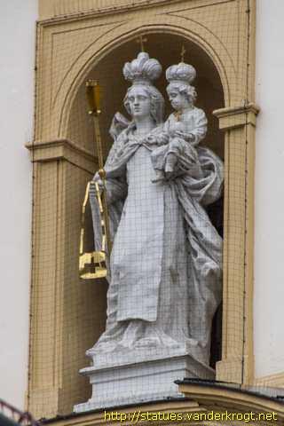 Sankt Pölten Heiligenstatuen An Der Prandtauerkirche