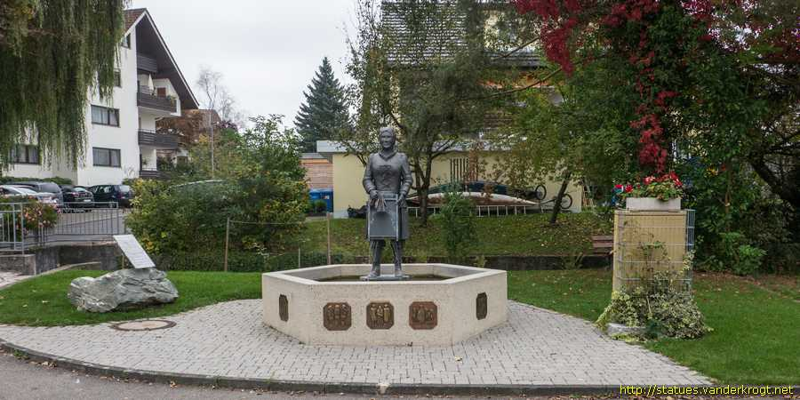 Markelfingen - Narrenbrunnen der Narrenzunft Seifensieder