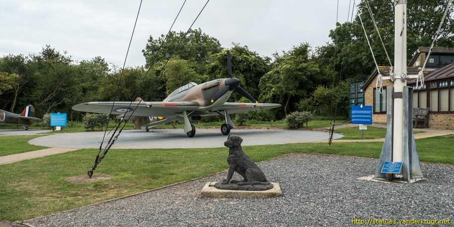 Capel-le-Ferne - B.O.B. The Squadron Dog