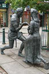 Robin Hood and Maid Marian (Edwinstowe, Great Britain)